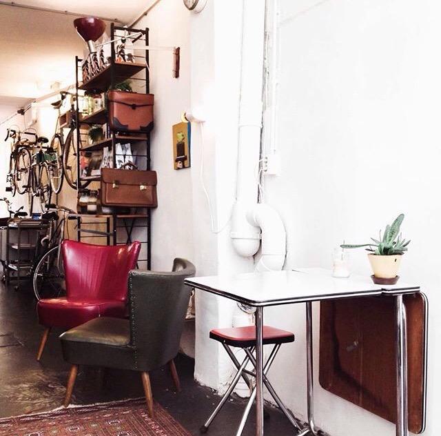 blackbird coffee & vintage